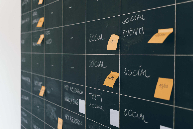 Что выбрать врачу для продвижения личного бренда: соцсети и/или сайт?